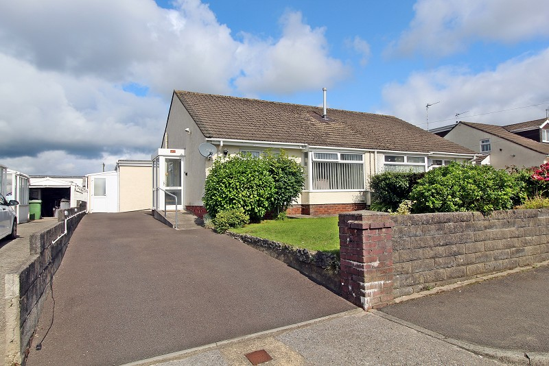 Red Roofs Close, Pencoed, Bridgend. CF35 6PH